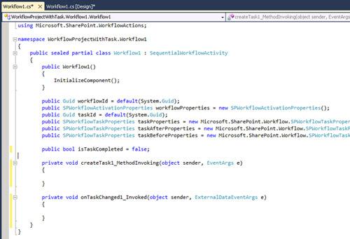En la vista de código fuente de nuestro Workflow, podremos observar los dos eventos que acabamos de crear a través de la opción de menú Generate Handlers. Continuando en la vista de código fuente, agregamos un nuevo miembro público de tipo booleano a la clase de nuestro Workflow, que denominaremos isTaskCompleted, con un valor por defecto de false, tal y como se muestra en la siguiente pantalla capturada