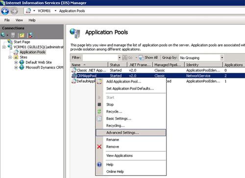 En la herramienta administrativa IIS Manager, mostraremos los Application Pools de IIS, y seguidamente seleccionaremos la opción Advanced Settings del menú contextual del Application Pool correspondiente al Microsoft Dynamics CRM (se denomina por defecto CRMAppPool, como se muestra en la siguiente pantalla capturada)