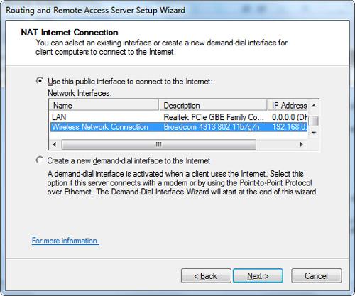 En la pantalla NAT Internet Connection, seleccionaremos la interfaz que deseamos utilizar para hacer NAT, en nuestro caso, una interfaz inalámbrica WiFi. Click Next para continuar.
