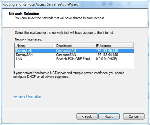 En la pantalla Network Selection seleccionaremos las interfaces de red que deseamos que puedan acceder a Internet a través de la configuración NAT  que estamos realizando sobre el interfaz WiFi. Click Next para continuar.