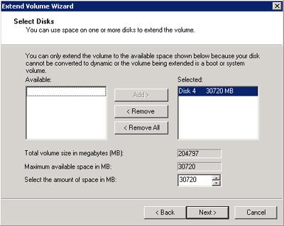 En la pantalla Extend Volume Wizard, seleccionaremos la cantidad de espacio en que deseamos extender el disco (en nuestro caso, 30GB), y seguidamente click Next para continuar