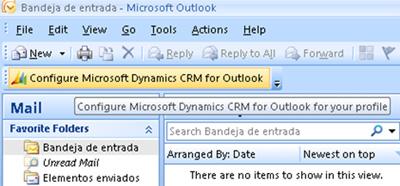 Abrimos Microsoft Outlook, y podremos observar una nueva barra de herramientas con el botón Configure Microsoft Dynamics CRM for Outlook