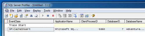 Si revisamos la Traza de SQL Profiler, podremos observar que en esta primera invocación se generó el Plan de Ejecución y se cacheo en memoria (CacheInsert). Además, no se ha producido ningún evento Hash Warning ni Sort Warning.
