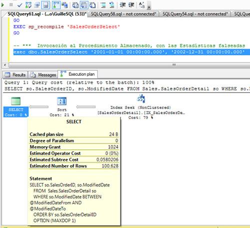 Volvemos a ejecutar nuestro procedimiento almacenado de ejemplo, incluso con exactamente los mismos valores para los parámetros de entrada. Sin embargo, en esta ocasión, al generarse el nuevo Plan de Ejecución, el Optimizador de Consultas de SQL Server está teniendo en cuenta las actuales (y erróneas) estadísticas. Y esto se nota. Para esta segunda invocación en situación de estadísticas no actualizadas, el valor de Memory Grant es 1024 en lugar de 3052.
