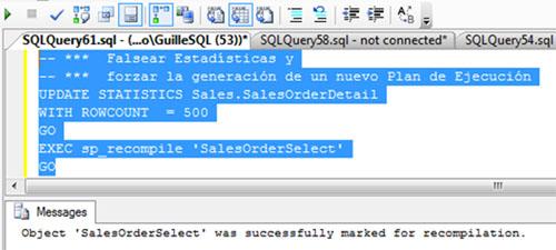Ahora llega el contraejemplo. Lo primero, vamos a falsear las estadísticas de SQL Server utilizando el comando no documentado UPDATE STATISTICS WITH ROWCOUNT, para seguidamente forzar la generación de un nuevo Plan de Ejecución para nuestro procedimiento almacenado de ejemplo a través del sp_recompile. Esto se muestra en la siguiente pantalla capturada.
