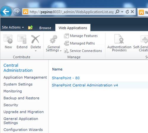 Más tarde descubrí que tampoco podía crear una nueva Aplicación Web desde la Consola de Administración Central de SharePoint 2010, ya que el botón New estaba deshabilitado (en gris o triste). Frustrante. No intenté hacerlo con STSADM, pero creo que sé cuál sería el resultado.