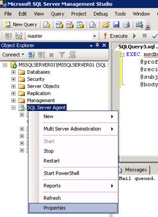 Otra de las tareas que muy probablemente nos pueda interesar realizar con Database Mail es configurar el Agente de SQL Server para el envío de Notificaciones por correo electrónico (ej: resultado de ejecuciones de Jobs, Alertas, etc.). De este modo, podremos definir Operadores y asignarles direcciones de correo electrónico, para así poder utilizarlos para las Notificaciones que necesitemos. Para configurar el Agente de SQL Server para el envío de Notificaciones de correo electrónico, deberemos habilitar el envío de correo electrónico con Database Mail y elegir el perfil de correo deseado. Para ello, mostraremos el diálogo de propiedades del Agente de SQL Server.