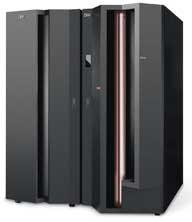 Foto de un servidor IBM eServer zSeries 990 (conocido como IBM z990 o simplemente z990).